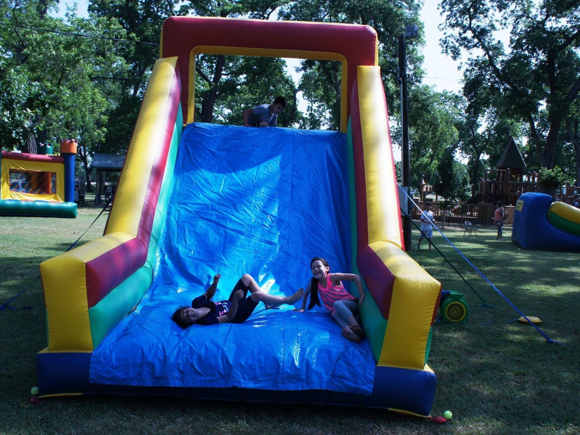 Spring Fling Bounce House Race